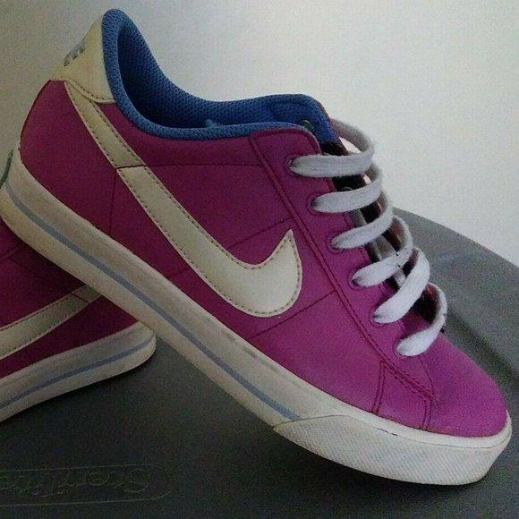 Por favor mira atlántico Desbordamiento  Nike Shoes   Sweet Classic Leather Women Walking Siz   Poshmark